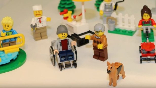 lego-wheelchair_wide-bebf2fb121a4d077e66c1956ba107b1365196171-s800-c85.jpg